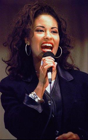 Music legend Selena to receive star on the Hollywood Walk of Fame