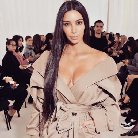 https://www.instagram.com/p/BLD408djiT4/?hl=en Screengrab of Kim Kardashian's Instagram of her going to Balenciaga Show makeup free 10/2/16 Source: Kim Kardashian/Instagram