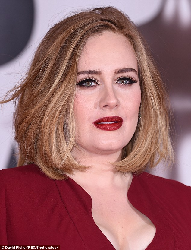 "Adele to marry ""In coming months"": Reports"