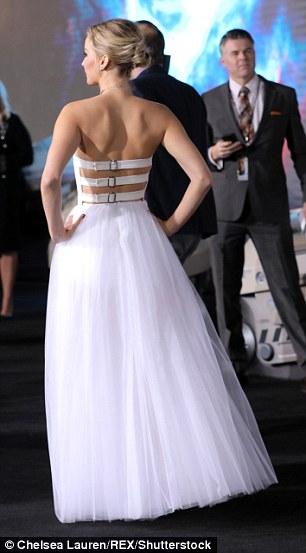 PHOTOS: Jennifer Lawrence shines at LA Premiere of Passengers