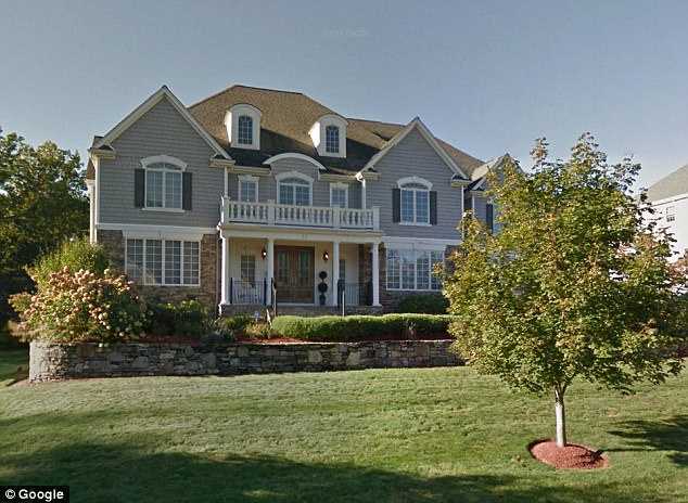 Aaron Hernandez's state stands at $0.00 net worth, family to sell mansion